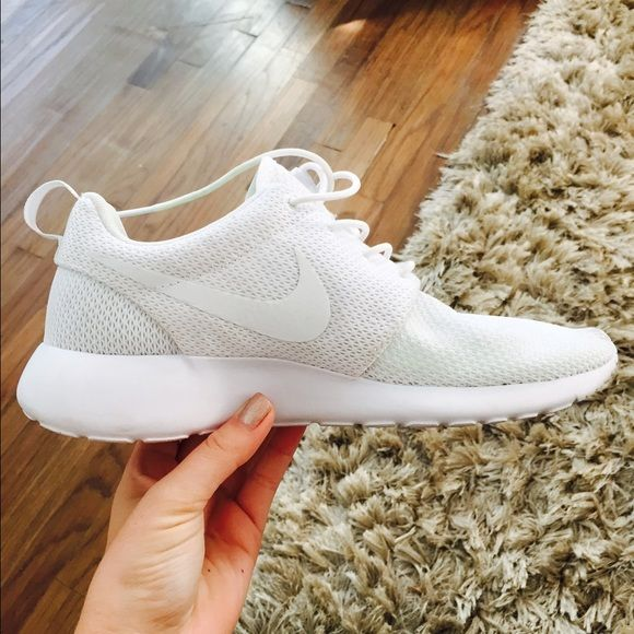I want all white nike shoes, maybe not these but ones that look similar