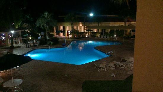 La Quinta Inn Orlando International Drive: Pool vom Zimmer aus