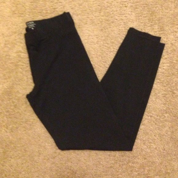 New J Crew leggings size medium Purchased from J Crew online, no tags, never washed or worn.  Black, size medium. J. Crew Pants Leggings