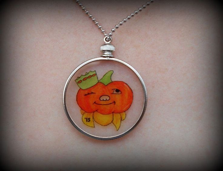 Glass Pumpkin Show Winky Necklace for the Circleville Pumpkin Show.. Pre-order this @ http://www.realsouvenir.com/pumpkin-show/glass-pumpkin-show-winky-necklace.html