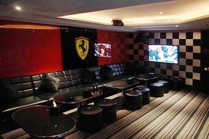 Ferrari Theme Room Black And White Checkered Walls