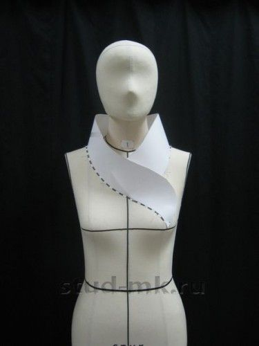 Pattern making, draping and Moulage - Amazing collar shape.