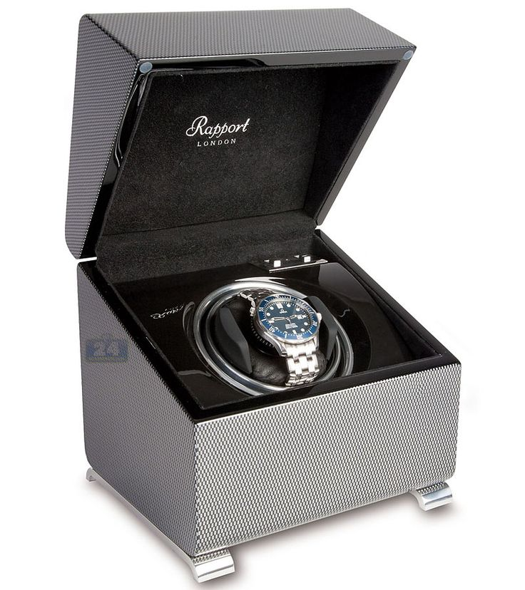 Accessory of the day: Rapport Vogue Single Watch Winder W371 in Carbon Fiber #watchwinder #wristwatch #watch #watchbox #accessory #rapport #rapportlondon #rapportwatchwinder #carbonfiber #fancy #device #tech #gadget #omega #rolex #breitling #cartier #breguet #safe #box #handsome #home #office #interior #gift #men #bitcoin #shopping