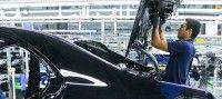 Obiettivo Lavoro E se fossero gli umani a rubare il lavoro ai robot?  La robotica fa passi da gigante e molti sono preoccupati che in un futuro ormai non troppo lontano macchine sempre più intelligenti ed efficienti possano sostituire gli uomini facendo perdere così posti di lavoro.In realtà come è già avvenuto in passato se da un lato alcuni lavori verranno affidati ai robot molti altri saranno creati: parliamo per esempio di progettisti e manutentori di queste nuovemacchine.  The post E se…