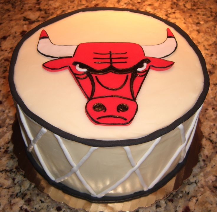 1000+ Ideas About Chicago Bulls Cake On Pinterest