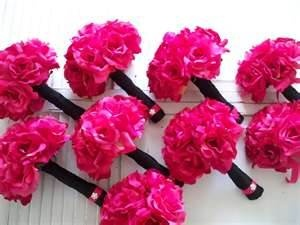 hot pink bouquet for the bridesmaids