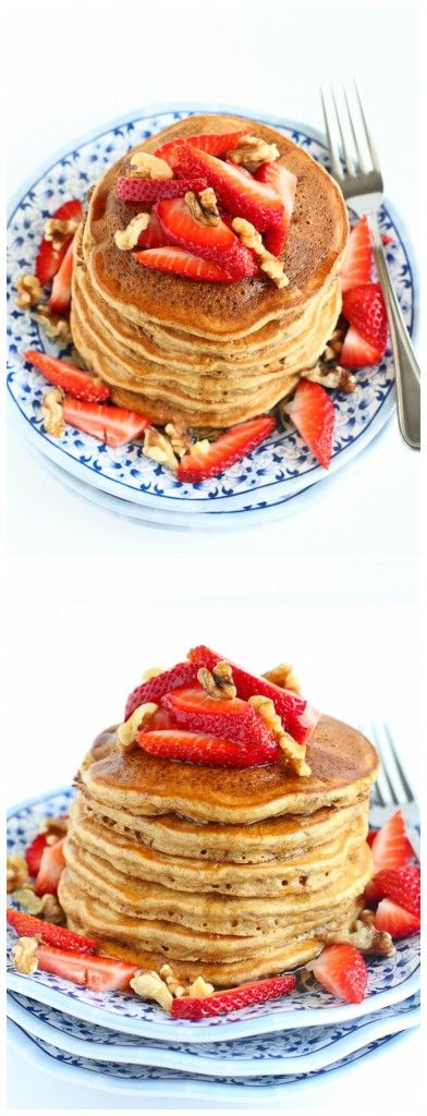 Whole Wheat Banana Flax Pancakes...Breakfast, lunch or dinner! 152 calories and 4 Weight Watchers PP #recipe #healthy