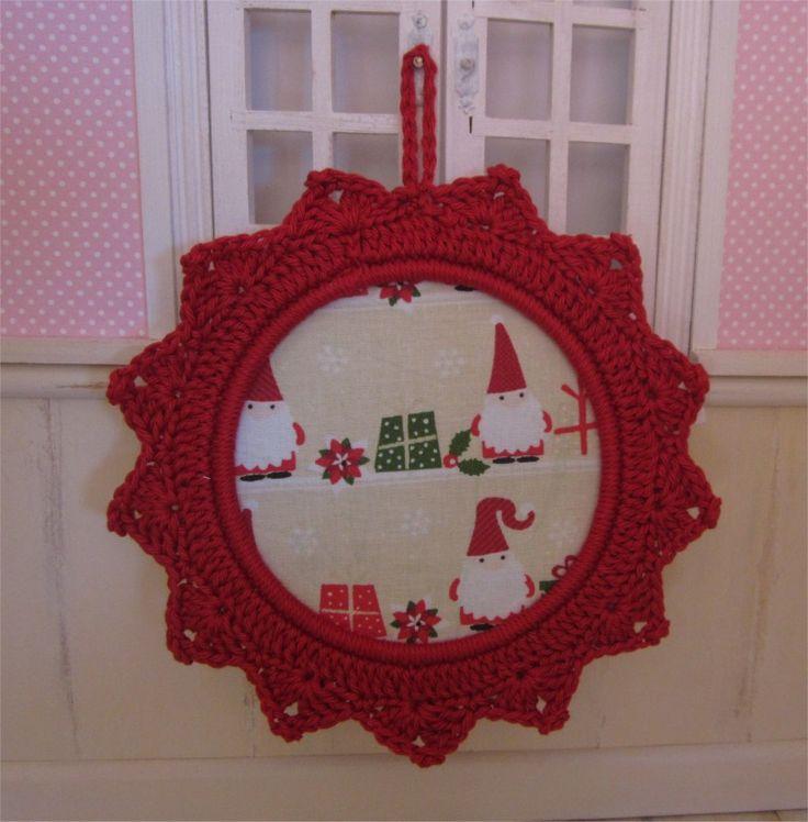 Petit cadre de Noël avec bordure au crochet : Décorations murales par atelier-crochet