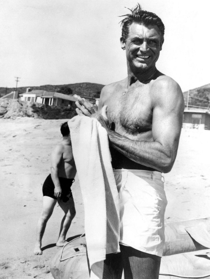 Cary Grant on the beach set of To catch a thief