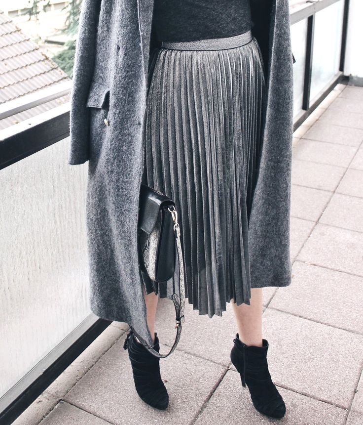 @Official_SheIn pleated skirt ootd