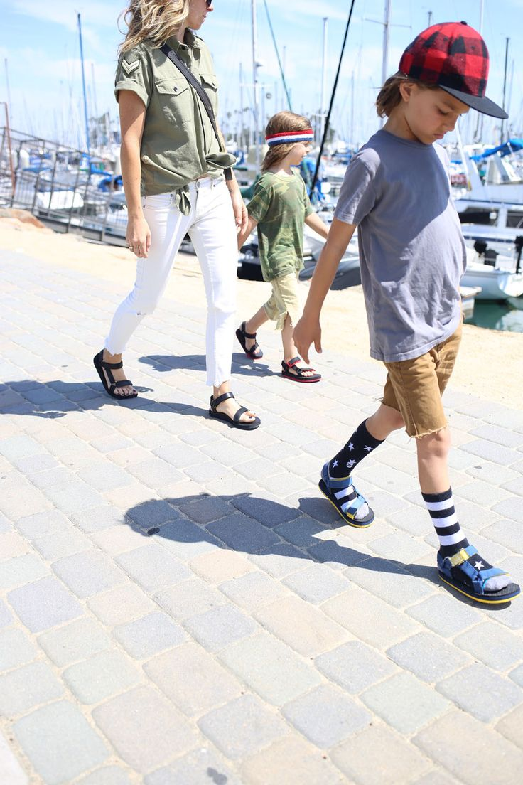 Jen Coleman and Laura Wiertzema of Ascot + Hart are not just a business powerteam but also loving moms. The two good friends have each others back and know family comes first. What they love most about their lifestyle as entrepreneurs with kids is that they are able to work from home and are ready for last-minute adventures with their wild boys anytime, Teva sandals for the whole fam included.