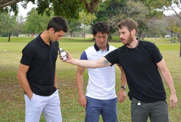 Novak Djokovic si Kei Nishikori la filmarile reclamei Uniqlo
