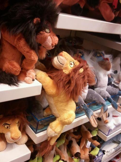 Noooo Mufasa not again!!!!! haha
