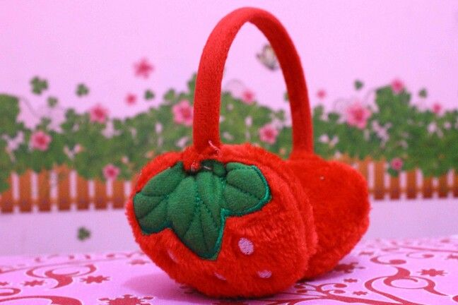 Strawberry earmuff