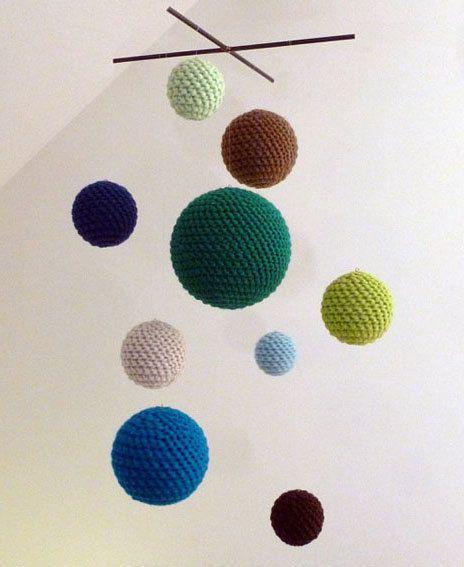 Grün häkeln, mobile, handgemacht für Babys Zimmer oder Wohnzimmer Dekoration by bubblewrapdesign on Etsy