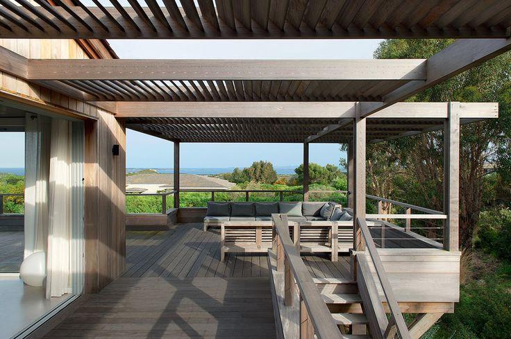 une maison de vacances blottie dans le maquis terrasse balcon pinterest la nature. Black Bedroom Furniture Sets. Home Design Ideas