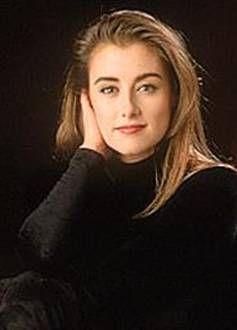 """Marie-Soleil Tougas ( 1970-1997), est une comédienne et animatrice québécoise décédée tragiquement en août 1997. Elle a débuté sa carrière à l'adolescence à la télévision québécoise dans le téléroman """"Peau de banane"""". C'est aussi par son implication sociale au nom de diverses causes dont Éduc'alcool et Opération Enfant Soleil, qu'elle a su toucher le coeur des québécois.Elle fut un modèle d'engagement. Marie-Soleil est décédée à 27 ans, avant d'avoir pu envisager créer une famille."""