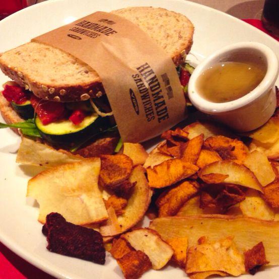 Ven a probar el #Sándwich #California y disfruta de un pan de doce cereales y semillas con verduras asadas y hortalizas!! #GoodForYou