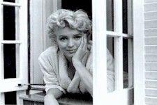 Legend Marilyn Monroe Biography
