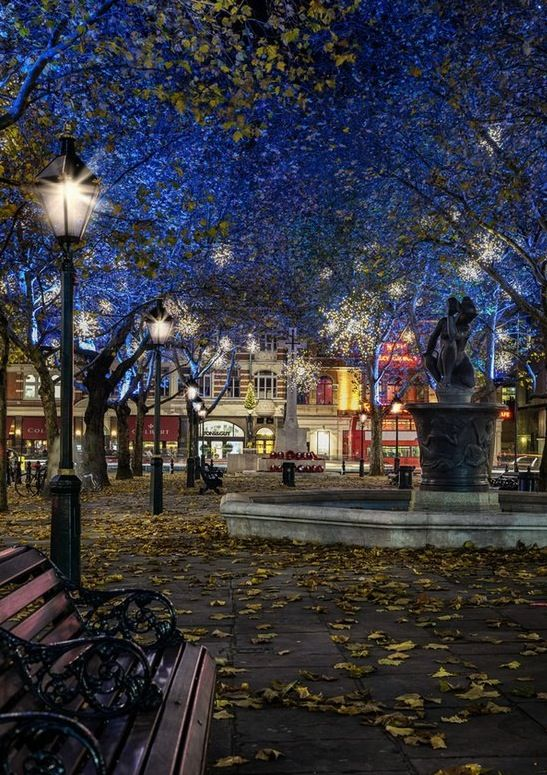 Sloane Square, Chelsea, London - Living here for my first semester of school was life-changing.