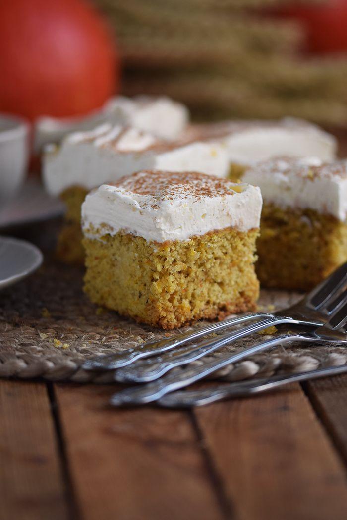 Pumpkin pie: Fluffy autumn cake from the plate  – Herbst: Bastelideen, DIY Projekte, Deko, Rezepte