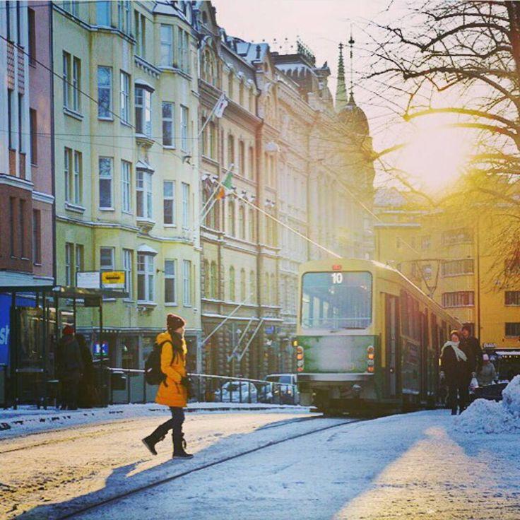 北欧の冬。やっぱり寒いですが、雪が降り積もったヘルシンキはとても美しいです。ここではキナリノ的、冬のおすすめモデルコースをおすすめいたします。Marimekko(マリメッコ)やLAPUAN KANKUKURIT(ラプアン カンクリ)、Johanna Gullichsen(ヨハンナグリクセン)でお買い物したり、ヴィンテージアイテムを探したり・・・。おすすめのカフェやサウナ、宿まで、たっぷりご紹介します♪