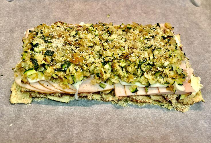 Un tortino di zucchine, affettato di tacchino e mozzarella light! Un piatto diverso ma gusto che mantiene tutta la sua leggerezza! Provatelo!