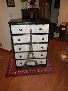 Eiffle Tower Dresser...OMG I want this in my room...I am dying over how much I LOVE THIS baby!