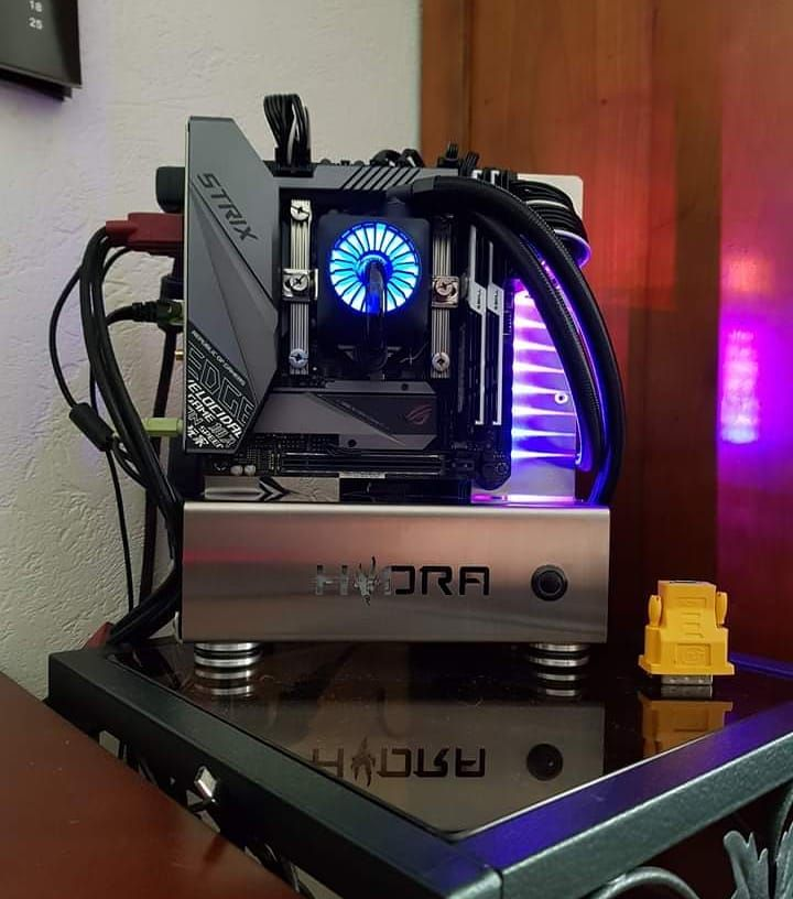 Ivan Marsilii On Instagram More Hydra Mini Pictures This Time It S Miles Desmond Sharing His Work A Nice Shiny Build Diy Pc Case Custom Computer Custom Pc
