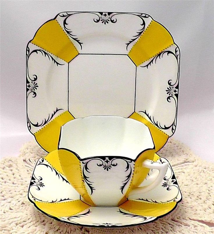 Bidding closing in a few hours for this fabulously rich SHELLEY Queen Anne 1927 Art Deco Tea Trio. Talk about YELLOW! Also have a matching cake plate and milk jug. Make it your own at http://www.ebay.co.uk/itm/271559406322