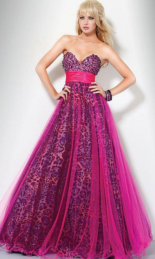 What ever happend to the fun side of dressing up?  This is a cute and fun formal/prom dress.