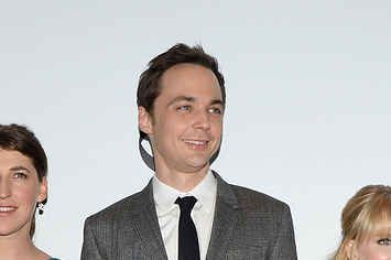"""""""Big Bang Theory"""" Is Moving To Mondays For A While (Thanks To Football)"""