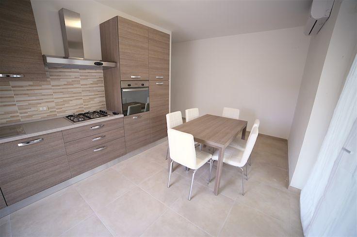 CASE VACANZE: affitto appartamenti estivi, residence. Booking on line - Prenotazione HotelItalia - Abruzzo - Martinsicuro - AFFITTI ESTIVI - Appartamento - Élite: interno 7 trilocale 6 posti letto