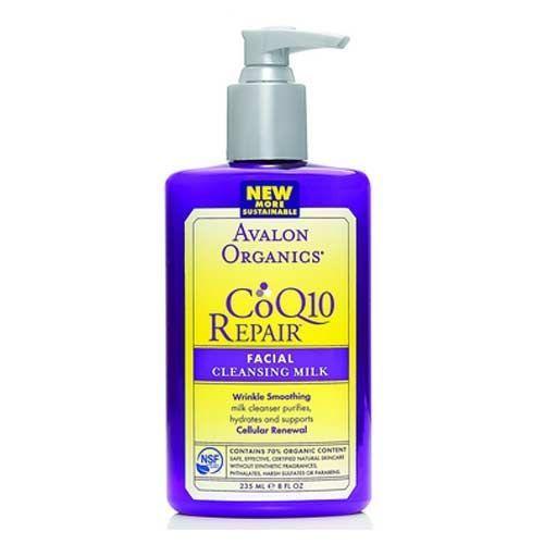 Avalon Organics Organik CoQ10 Yüz Temizleme Sütü 250ml   Sabun içermeyen, beyaz çay ve ayçiçeği özlü bitkisel temizleme sütü cildinizdeki kalıntıları kurutmadan ve soymadan nazikçe çıkarır. Cildin nem ihtiyacını karşılamak ve hücre yenilenmesini desteklemek için CoQ10 ve temel yağlar yenilenen hücreleri besler ve canlandırır. Cildiniz pürüzsüz, sıkı, sağlıklı ve yumuşak bir görünüme kavuşur.  Mutlaka deneyin. #avalonorganics #naturalskincare #doğalciltbakım #organiccosmetic #avalon…