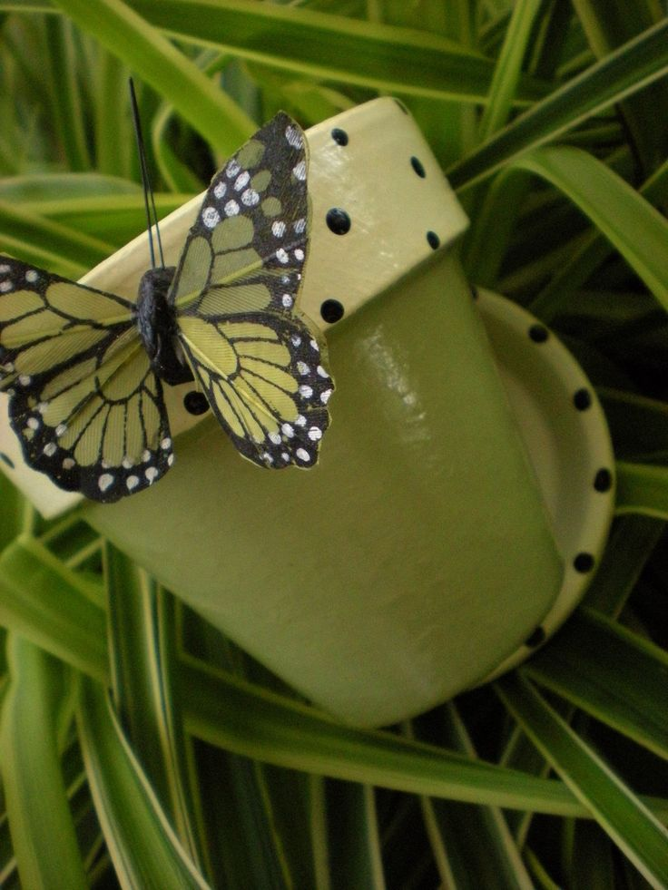 Butterfly Flower Pots - Hand Painted with Matching Butterfly