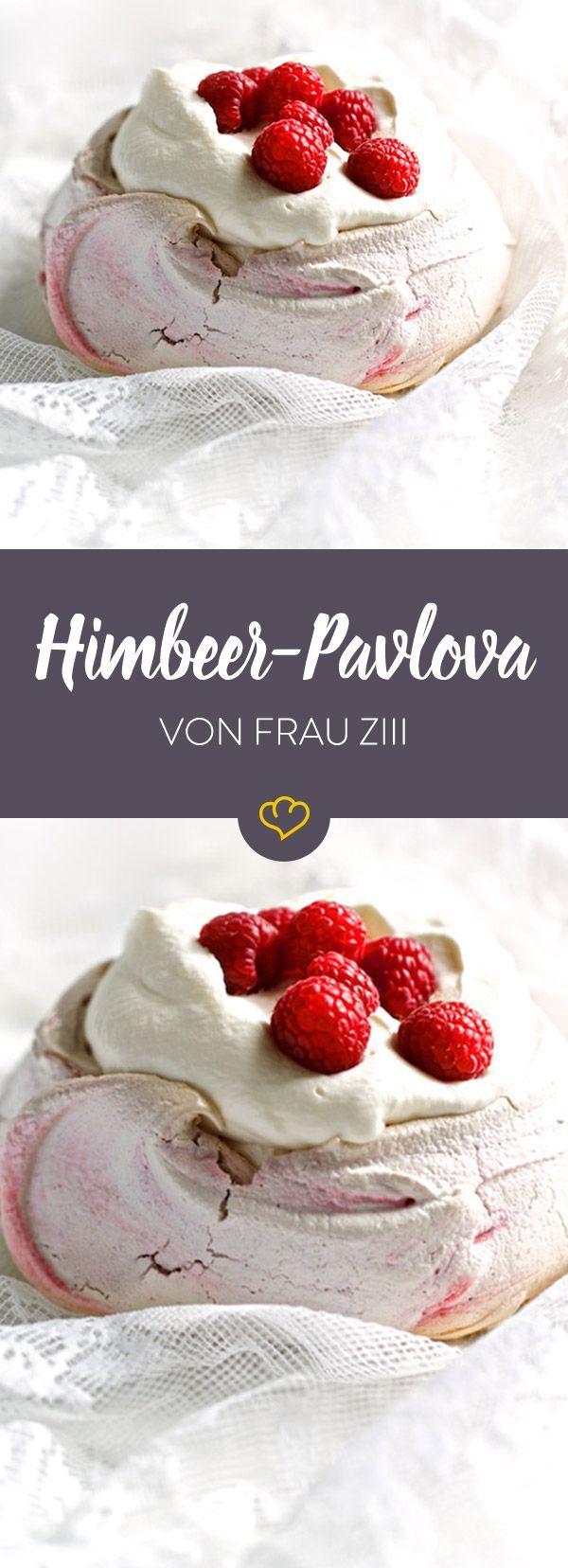 Pavlova: Luftig-lockeres Baiser mit einer Haube aus Sahne und Früchten. Ein verführerisches Dessert aus Down Under.