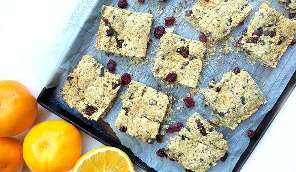 Cranberry Orange and Chocolate Chunk Oat Bars recipe   #vegan #glutenfree #nutreats #recipe