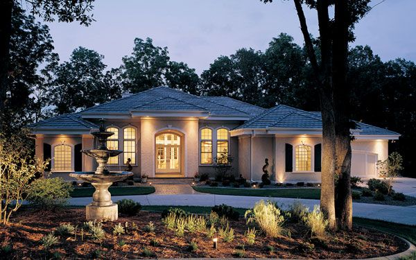 Luxury Ranch Homes Stucco Exterior House Plans And Style
