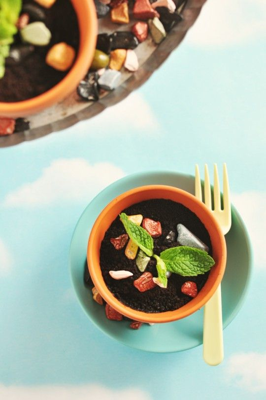 Potted Espresso & Salted Caramel Mud Cake. Super cute presentation! Would be perfect for a party!