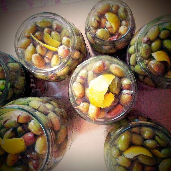 Eva In Tasteland: Τσακιστές Πράσινες Ελιές με Νεράντζι στην άλμη!