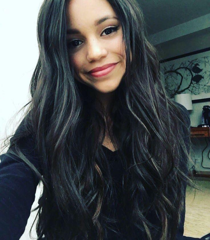 Hi I'm Jenna 14 and single. Anyone wanna room together?