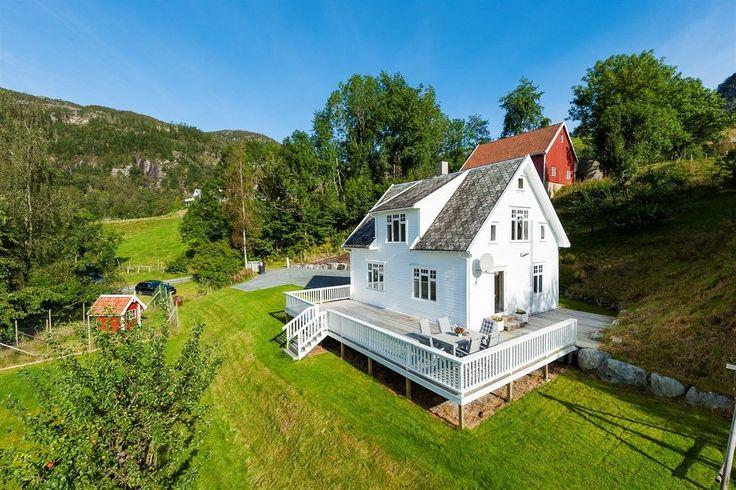 (1) FINN – Årdal - Idyllisk småbruk med skjermet beliggenhet i landlige omgivelser