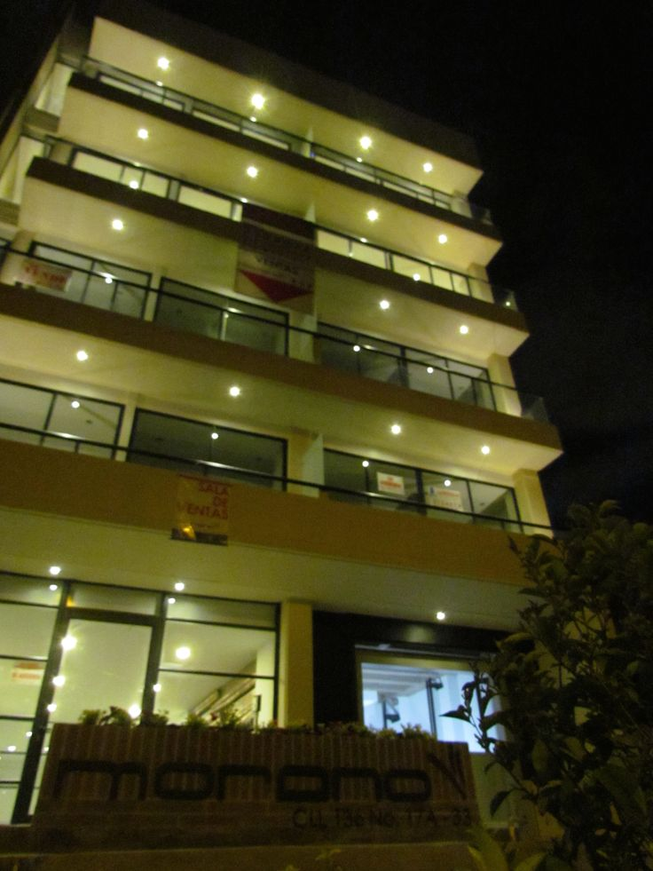 Morano de noche https://www.facebook.com/video.php?v=10150365214101195&set=vb.109053802500165&type=2&theater