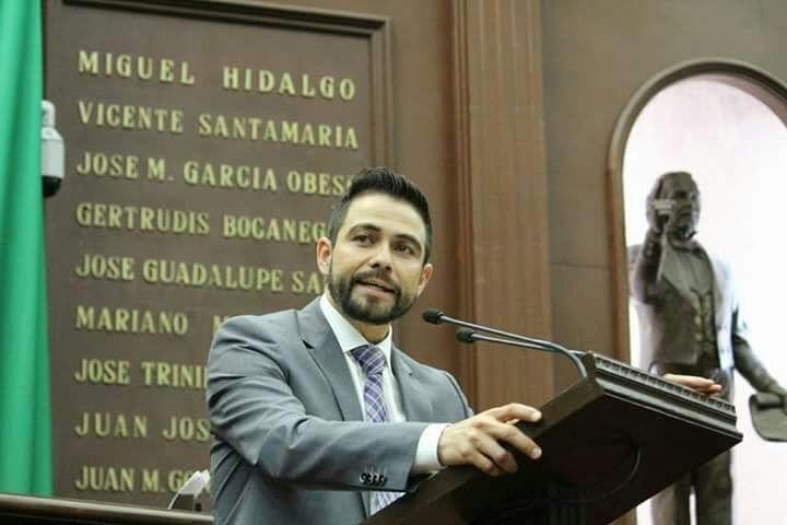 El coordinador del PRD en el Congreso del Estado presentará una iniciativa de reformas a la Ley Orgánica del Poder Judicial de Michoacán, a fin de que el presidente del ...