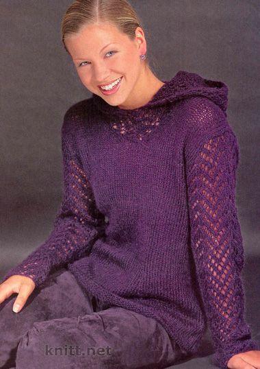 Вязаный спицами пуловер с капюшоном умело декорирован ажурными рукавами и капюшоном, лицевая гладь в сочетании с тонким узором смотрится великолепно.