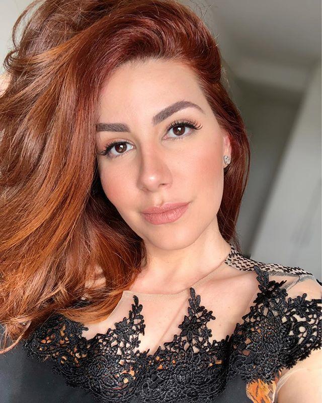 Aquela ruiva super natural de cabelos cobre que eu amo. Com a maquiagem perfeita e luz …   – Minhas Maquiagens