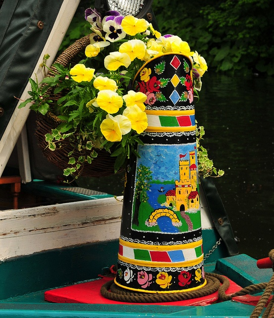 Small Narrow Art Room Living Room Design: 17 Best Images About Narrow Boat Barge Painting On