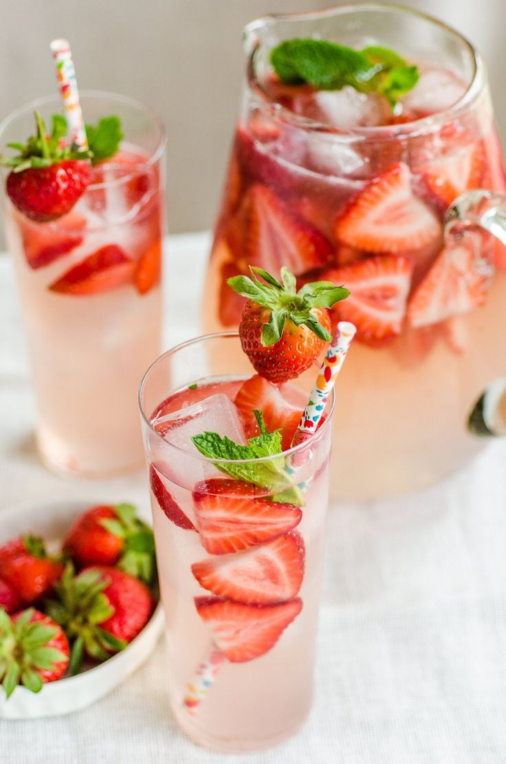 My Kind of Spring Drink Recipe: Strawberry Gin Smash