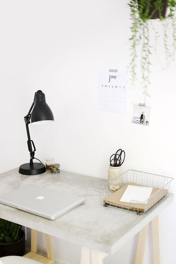Learn how to make a stylish concrete desktop and the wood legs to go with it. Just follow the step-by-step tutorial.