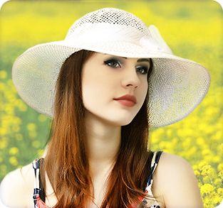 Белая соломенная шляпа